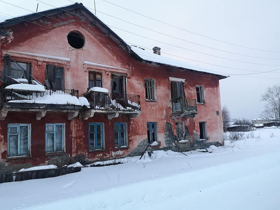 заброшенный дом в пос. Восточный